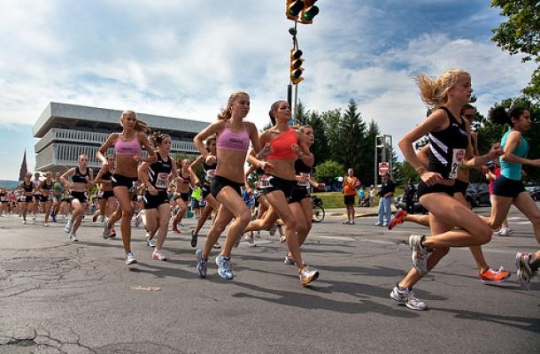 צילום: cc by sebastien.b-WOMEN-RUNNING2
