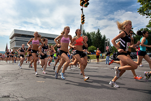 צילום: cc by sebastien.b-WOMEN-RUNNING2
